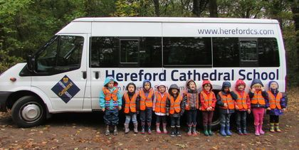 Nursery children explore Queenswood Country Park